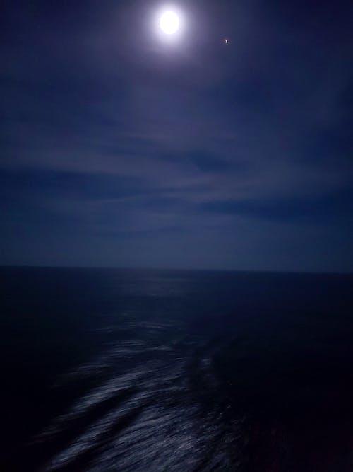 Kostnadsfri bild av hav, kryssning, måne, natt