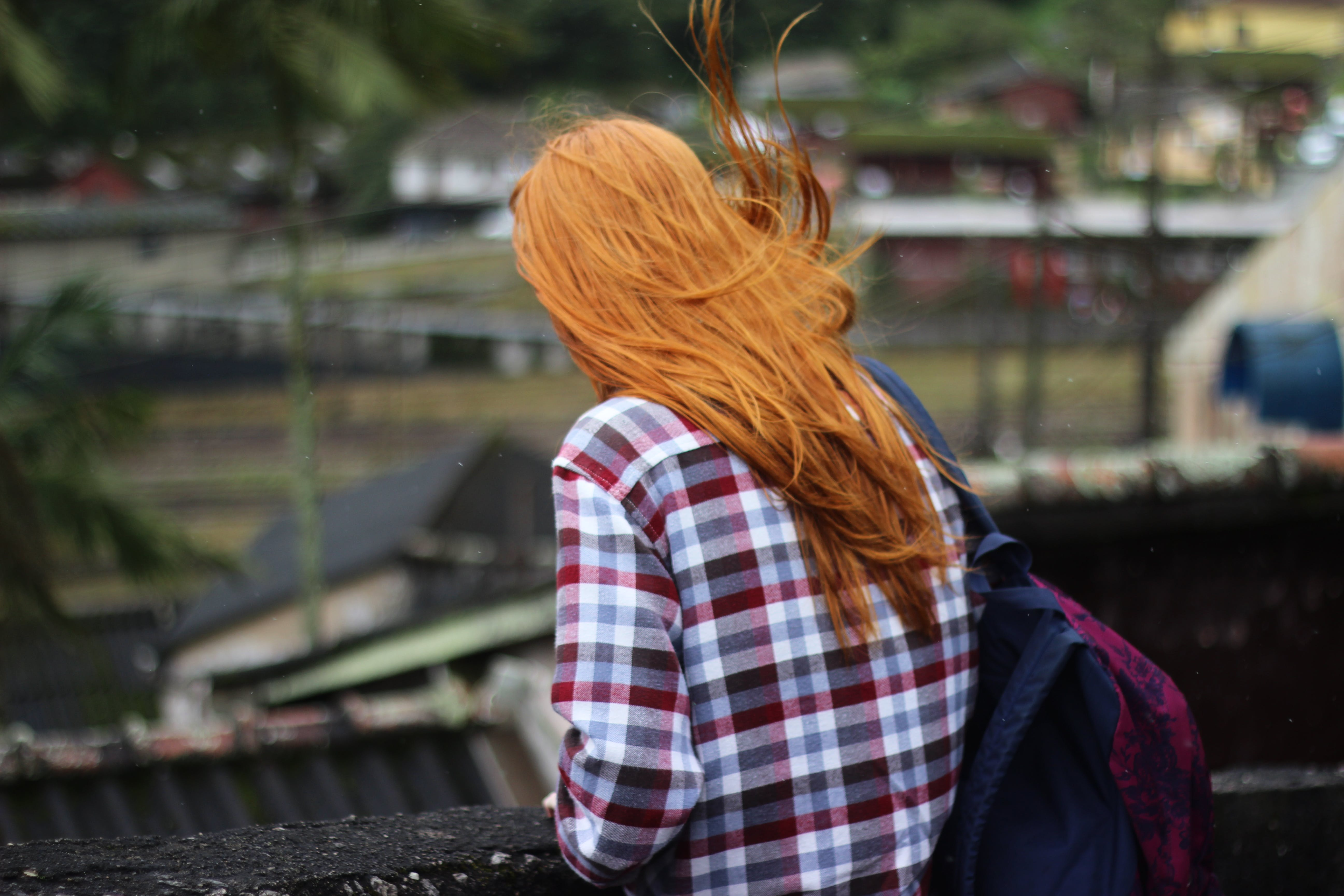 Kostenloses Stock Foto zu erwachsener, estação, frau, freizeit