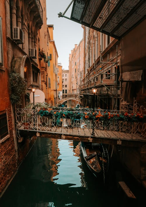 Free stock photo of gondolas, gondolier, italia