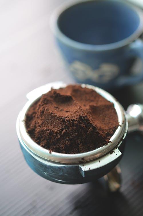 Ilmainen kuvapankkikuva tunnisteilla jauhettua kahvia, kahvinkeitin