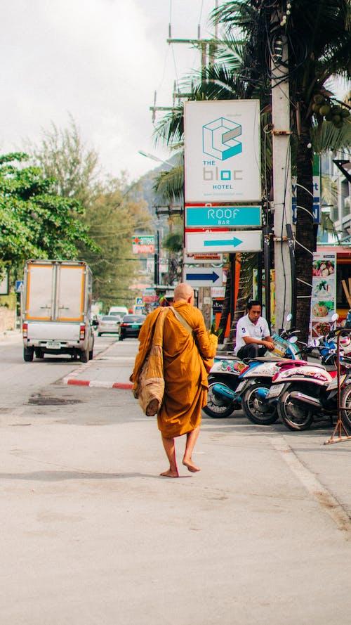 Kostnadsfri bild av barfota, förankrings, gata, man