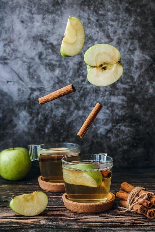 Foto d'estoc gratuïta de Apple, beguda, beguda calenta, branques de canyella