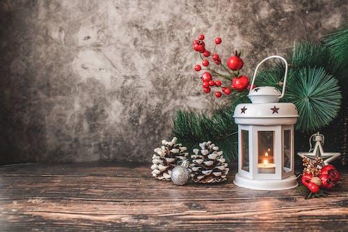 Foto d'estoc gratuïta de baies, canelobre, decoracions, decoracions de nadal