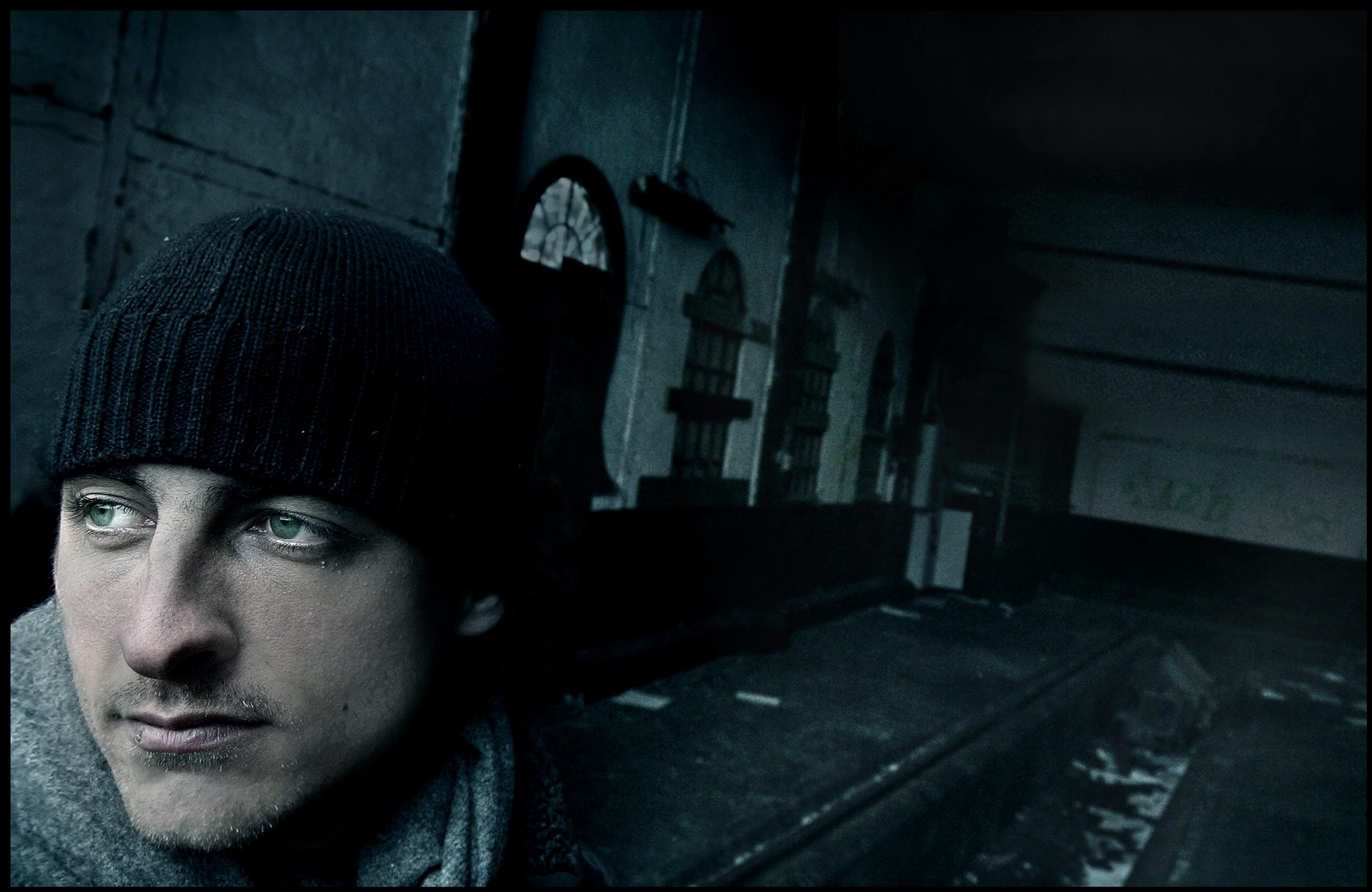人, 害怕, 小圓便帽, 怪異 的 免费素材照片