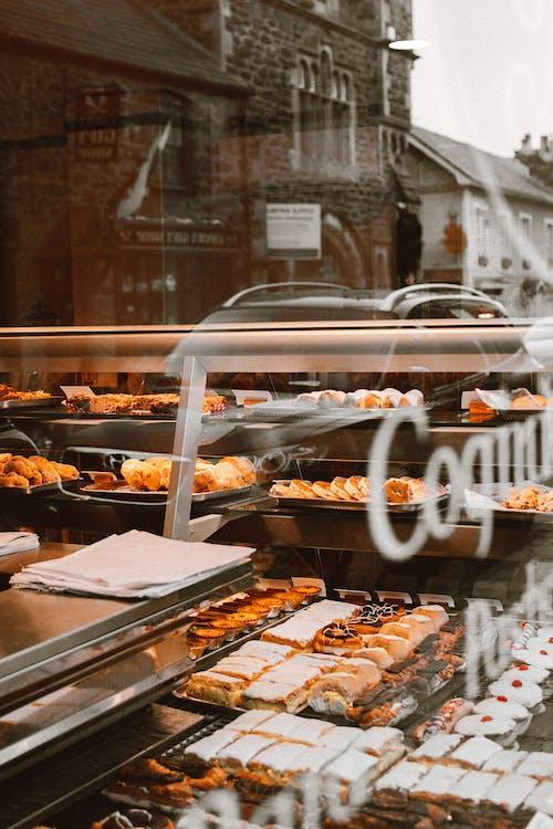 Foto d'estoc gratuïta de finestra, fleca, menjar, pa