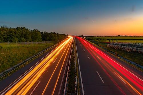 Imagine de stoc gratuită din amurg, autostradă, benzi, carosabil