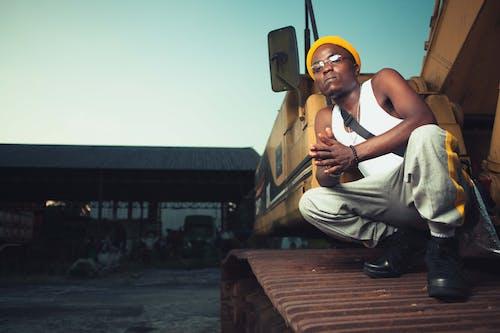Kostnadsfri bild av afrikansk man, afroamerikansk man, allvarlig, ansiktsuttryck