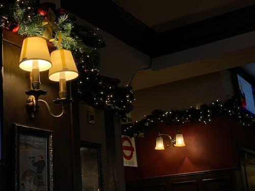 Foto profissional grátis de bar, lâmpadas, luzes, Natal