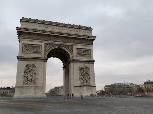 Foto profissional grátis de Arco do Triunfo, França, Paris, rua