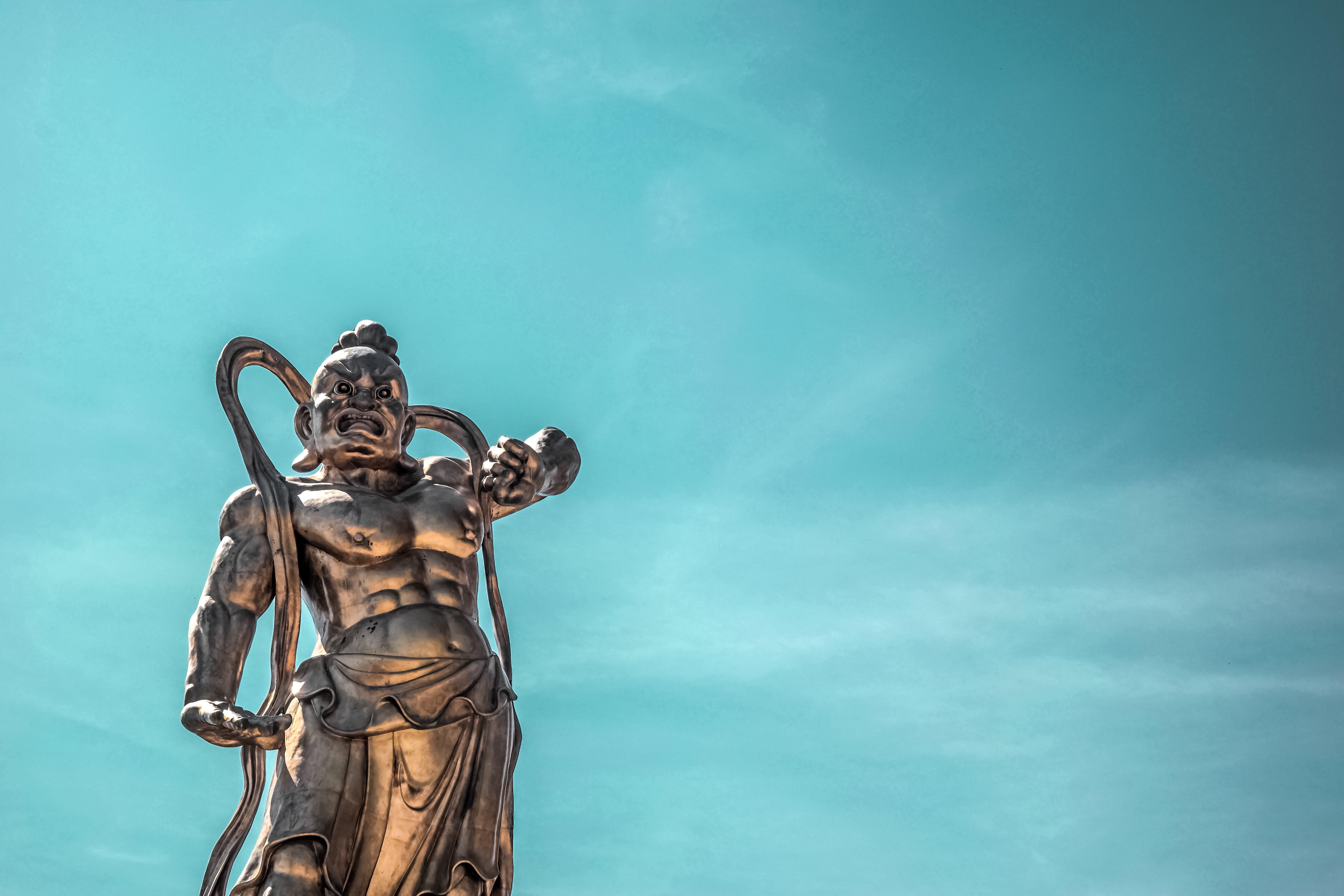 Darmowe zdjęcie z galerii z architektura, niebo, perspektywa, pomnik