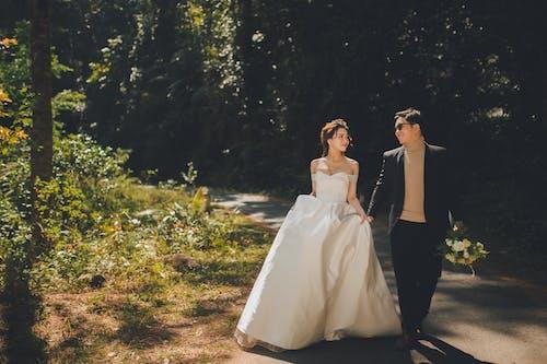 Gratis stockfoto met affectie, blij, blijdschap, Bruid en bruidegom