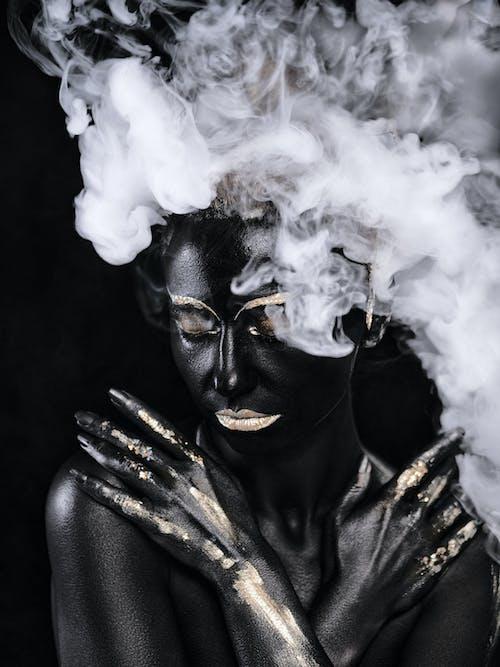 Foto profissional grátis de cara, dia das bruxas, fantasia, fumaça