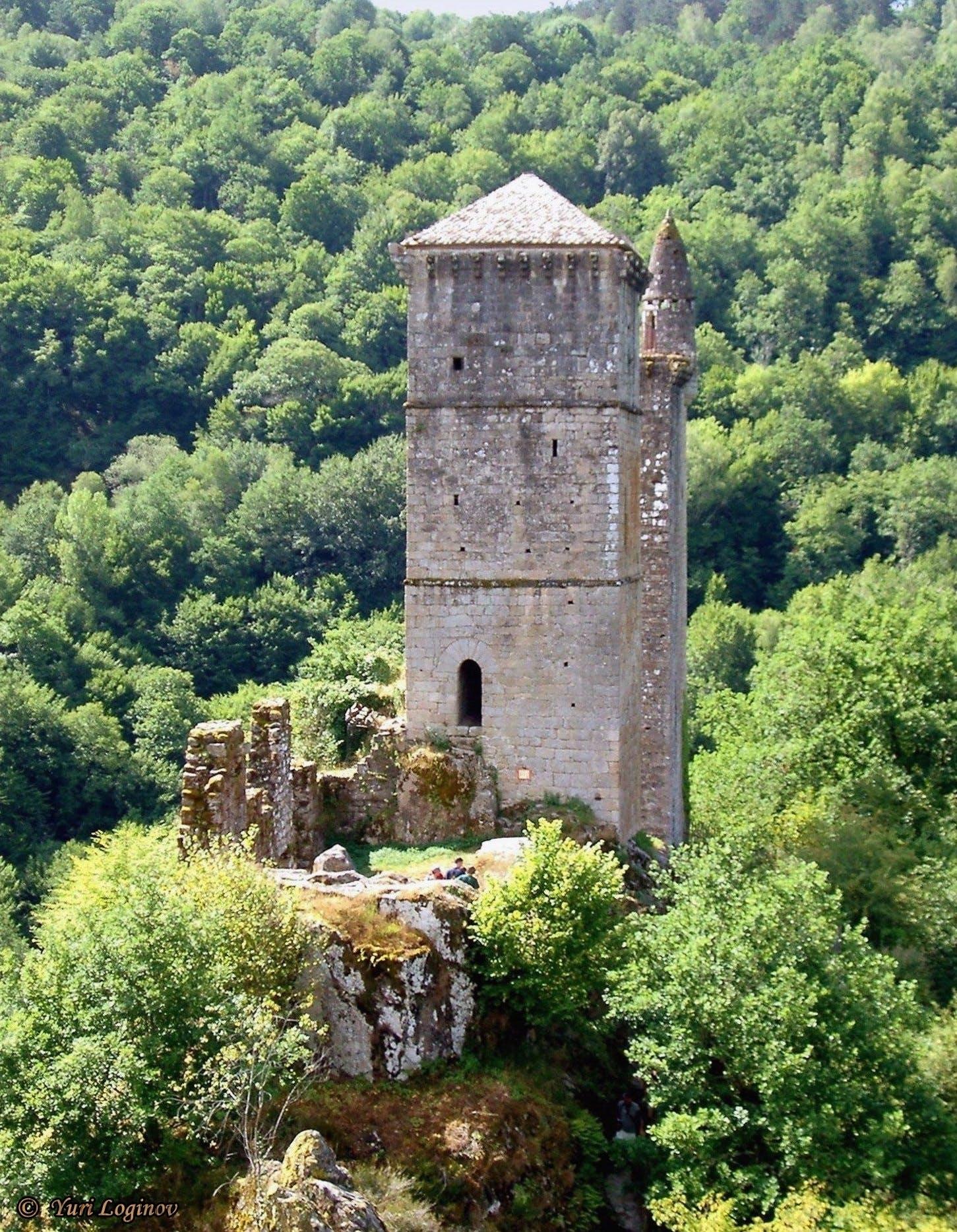 france, Saint-Geniez-ô-Merle, Tours de Merle