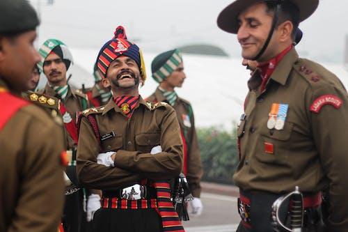 Бесплатное стоковое фото с армия, веселье, военная форма, военный