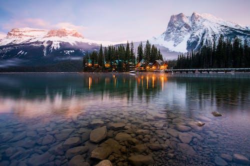 Gratis arkivbilde med daggry, HD-bakgrunnsbilde, innsjø, landskap