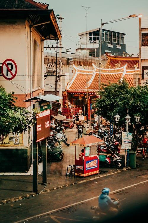 Foto stok gratis Arsitektur, bisnis, jalan, komersial