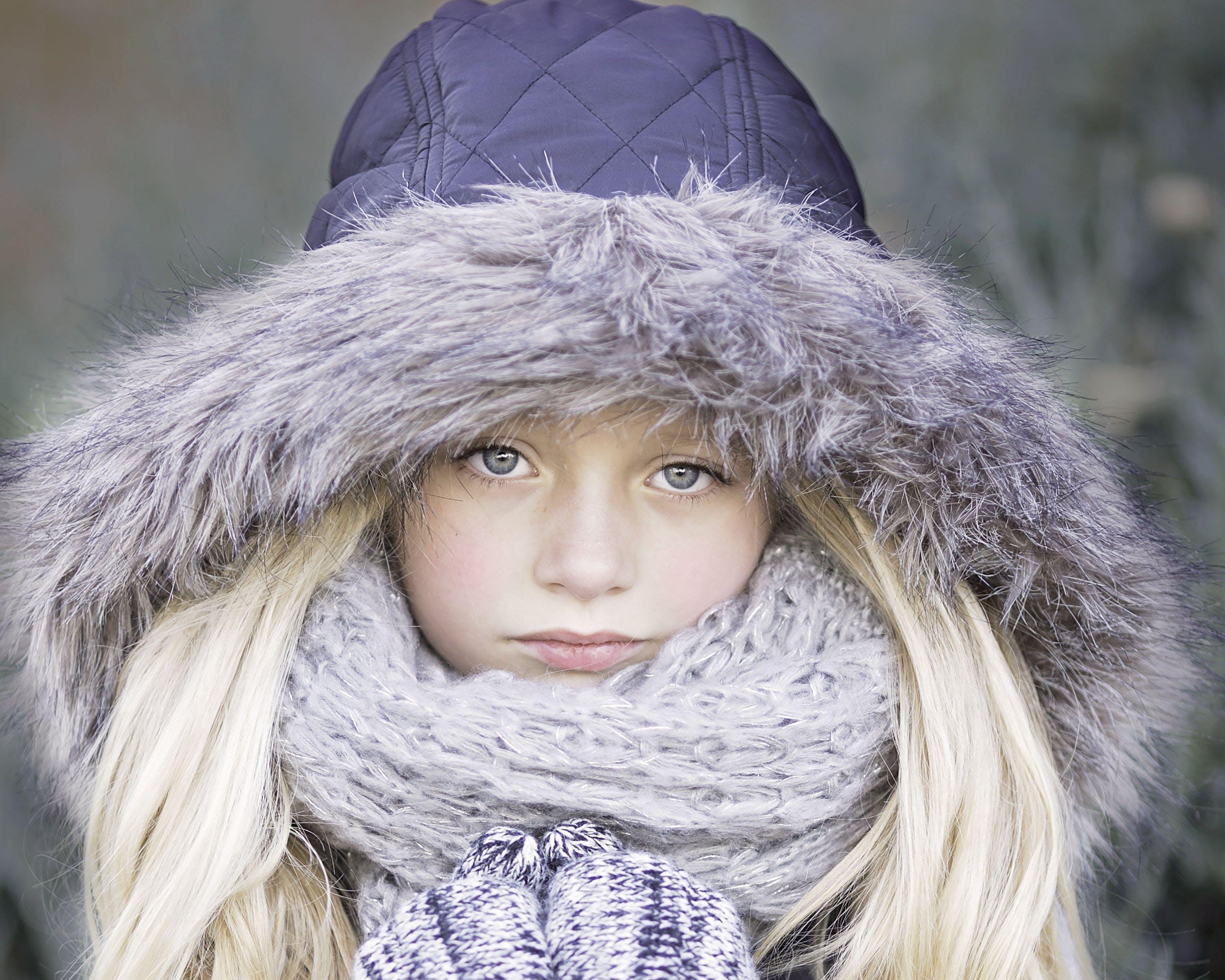 barn, blondine, forkølelse