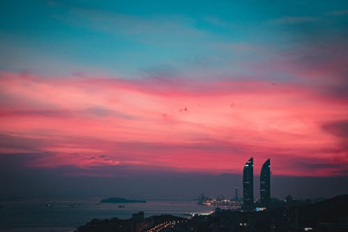 Immagine gratuita di alba, alto, cielo, cielo drammatico