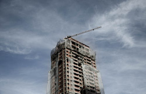 Kostenloses Stock Foto zu architektur, aufnahme von unten, bau, baumaschine