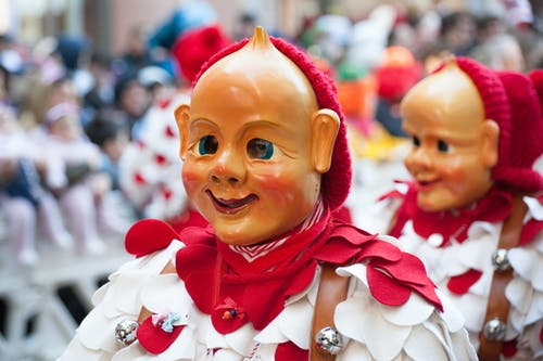 Darmowe zdjęcie z galerii z festiwal, kostium, ludzie, miasto