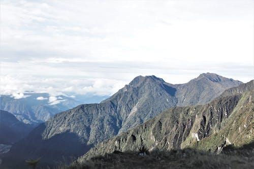 bulut, bulutlar, dağ, dağlar içeren Ücretsiz stok fotoğraf