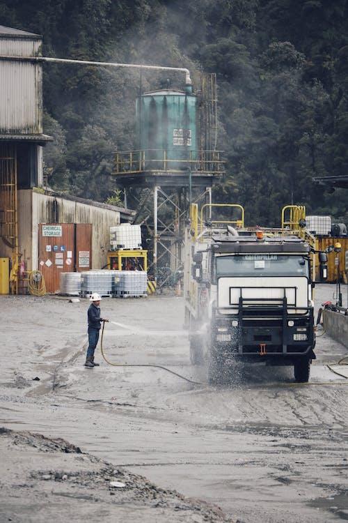 人, 依维柯, 卡車, 噴嘴 的 免费素材图片