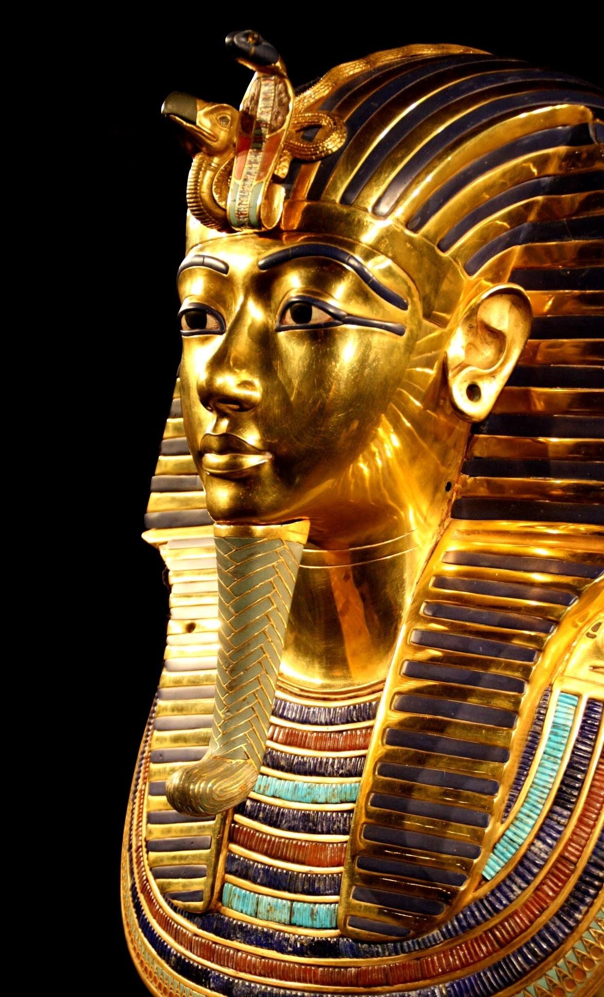 gold tutankhamun statue 183 free stock photo