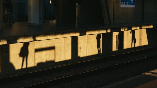 Gratis lagerfoto af lys, platform, skygge