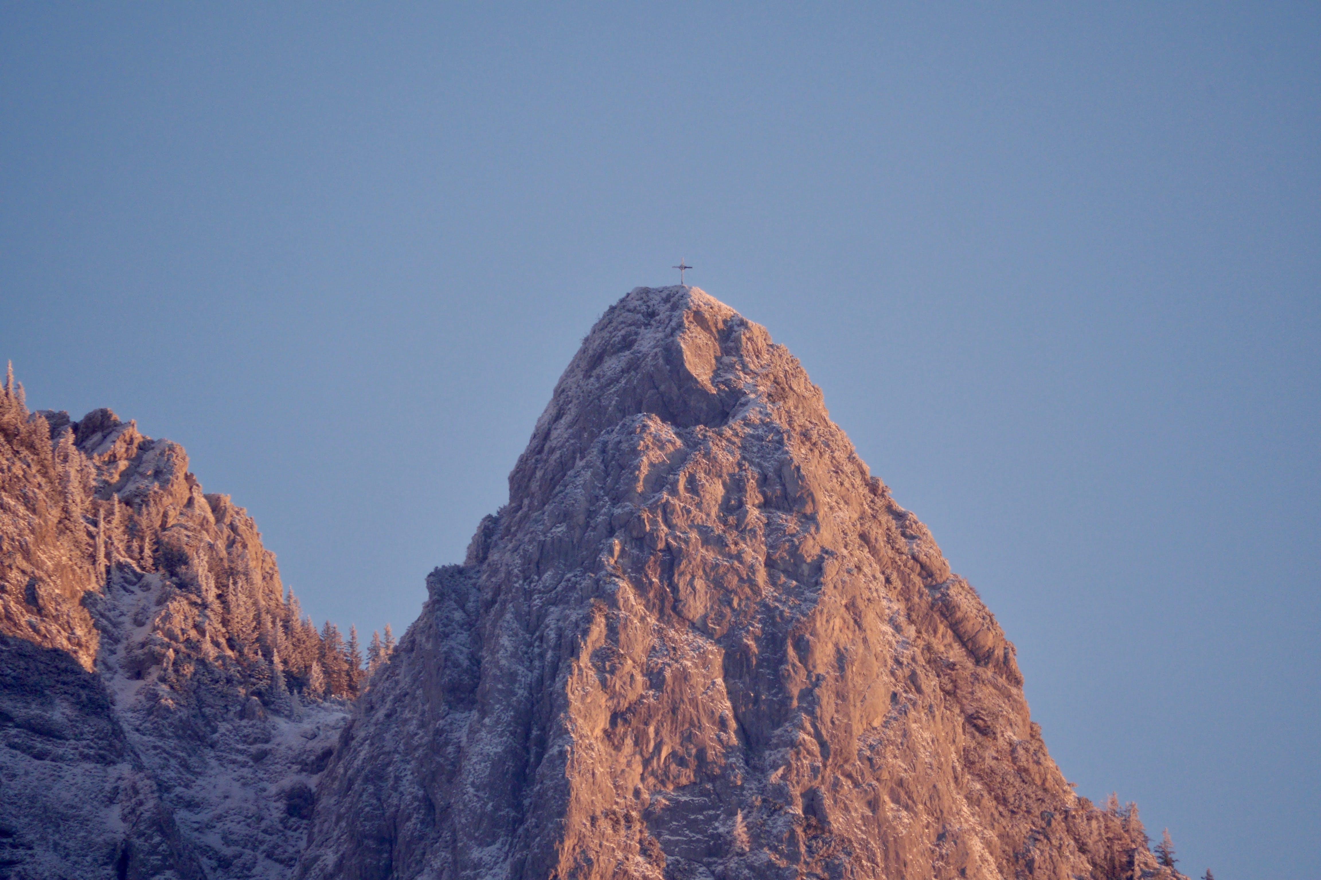 Kostenloses Stock Foto zu berg, berggipfel, gebirge, gipfel
