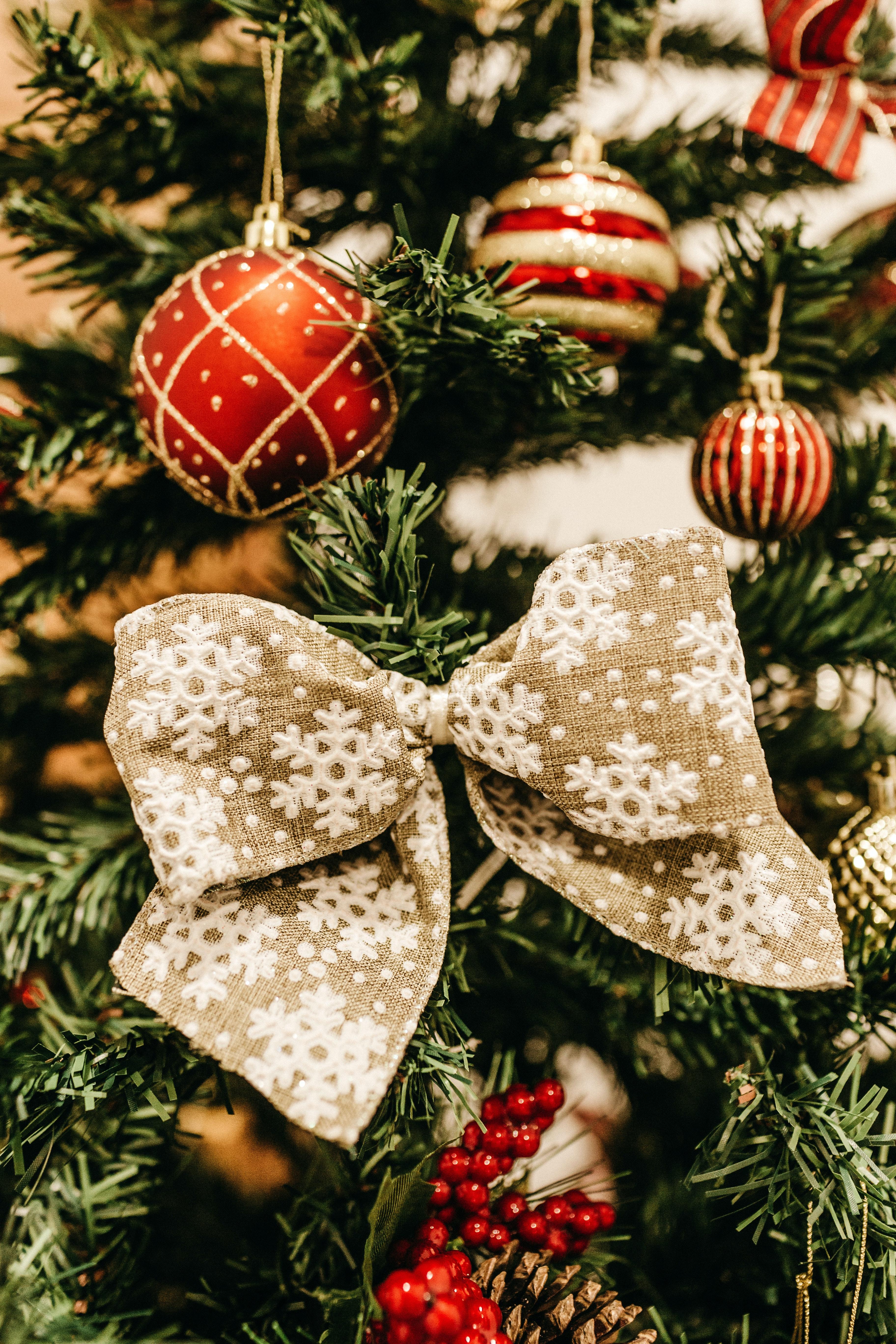 Christmas Tree Decor · Free Stock Photo