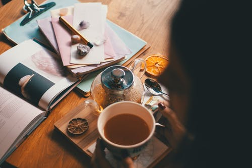 คลังภาพถ่ายฟรี ของ กระดาษ, การผ่อนคลาย, การพักผ่อนหย่อนใจ, กาแฟ