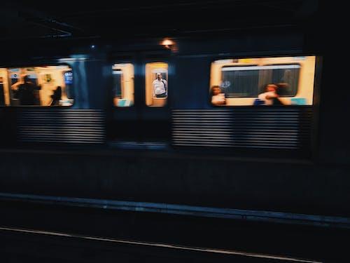 交通系統, 人, 公共交通工具, 旅行 的 免费素材照片