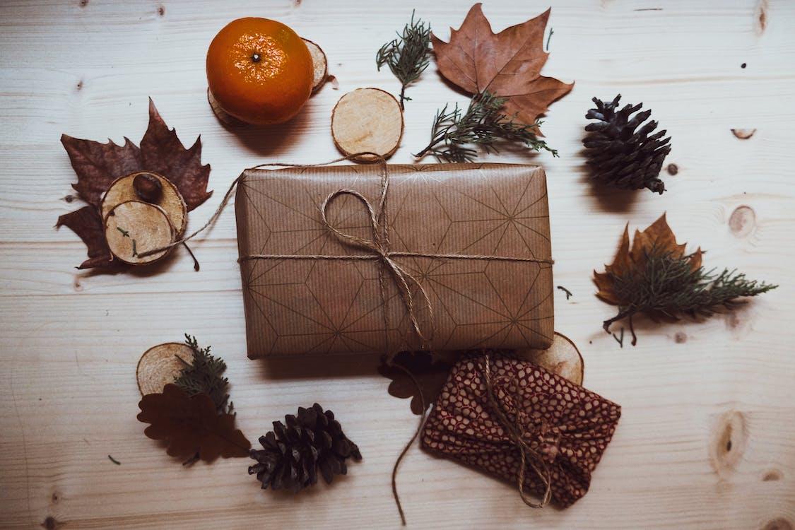 boże narodzenie, dekoracja świąteczna, drewniany blat