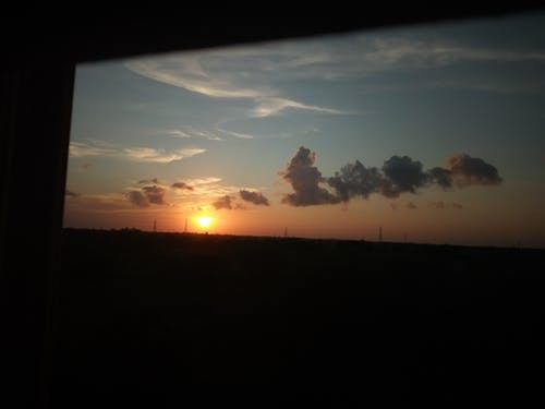 Základová fotografie zdarma na téma atmosférický večer, mraky, nádherný západ slunce, západ slunce