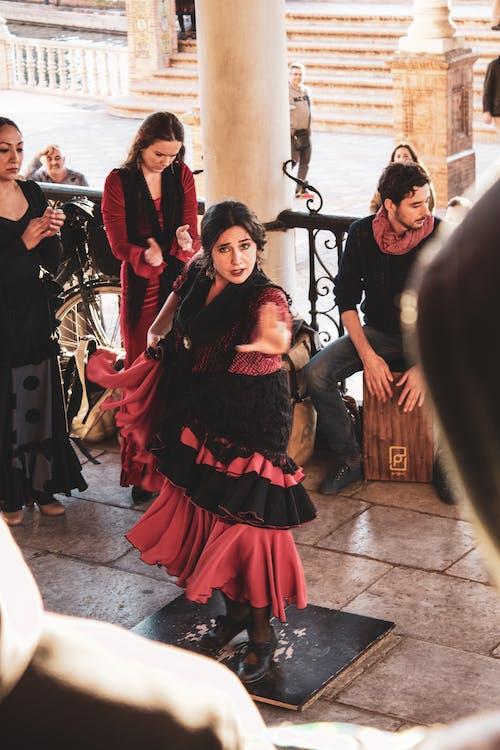 Foto d'estoc gratuïta de andalusia, ballant, cultura, dona ballant