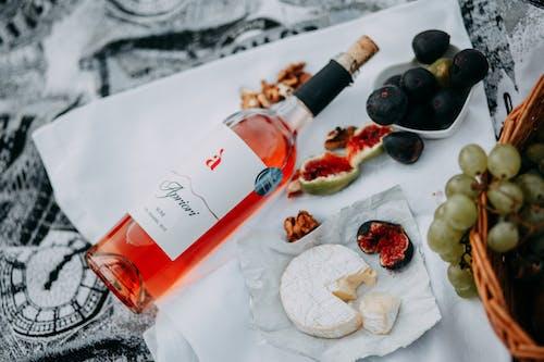 Безкоштовне стокове фото на тему «вино, їжа, напій, пляшка»