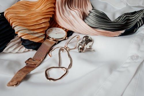Základová fotografie zdarma na téma elegantní, formální, hedvábí, hodinky