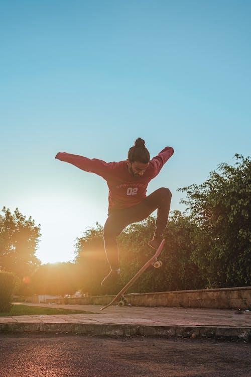Foto stok gratis aktif, aktivitas, bermain skateboard, cara