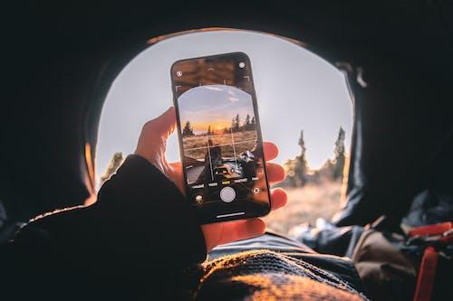Immagine gratuita di avventura, catturare, cellulare, cielo
