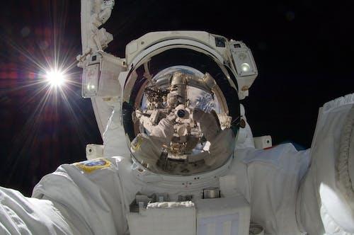 Gratis arkivbilde med astronaut, astronomi, dress