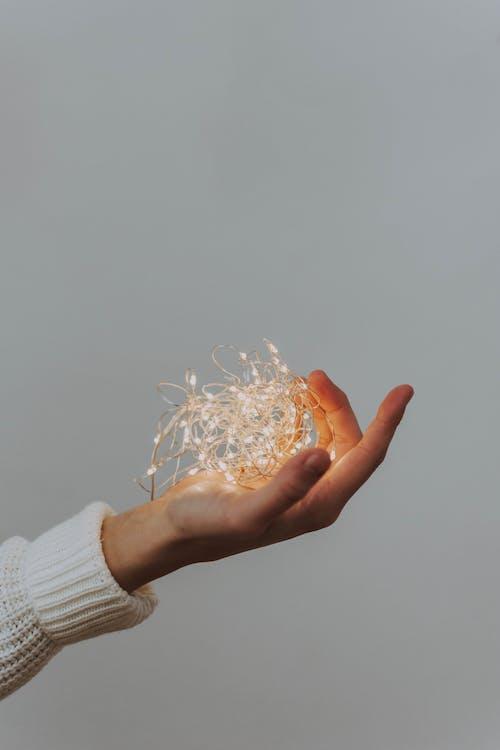 不堅固的, 手指, 概念的, 燈串 的 免费素材照片