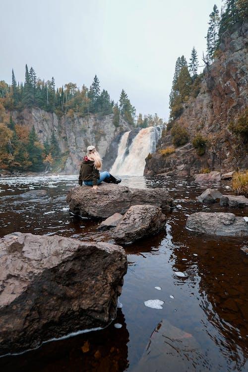 Δωρεάν στοκ φωτογραφιών με βουνό, βράχια, γραφικός, καταρράκτες