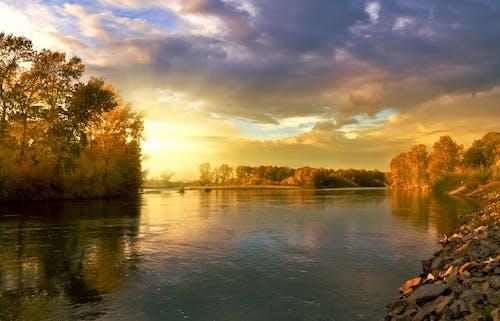 Gratis lagerfoto af flod, himmel, natur, skyer