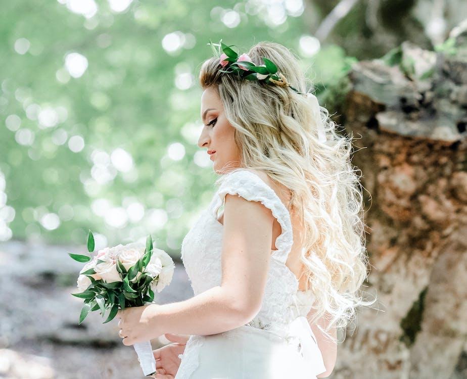alb, aranjament floral, buchet