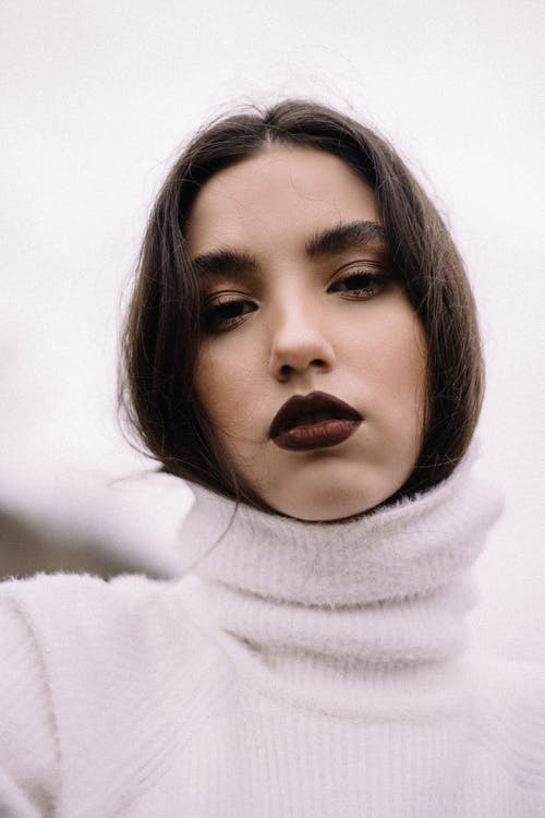 Gratis arkivbilde med ansikt, ansiktsuttrykk, bruke, brunette