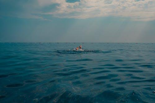 Бесплатное стоковое фото с активный отдых, бирюзовый, вода, водные виды спорта
