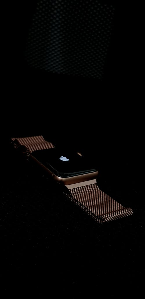 Foto d'estoc gratuïta de Apple, fons de pantalla negre, mira fons de pantalla, rellotge Apple