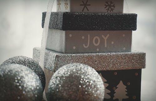 Immagine gratuita di argento, brillare, decorazioni natalizie, gioia