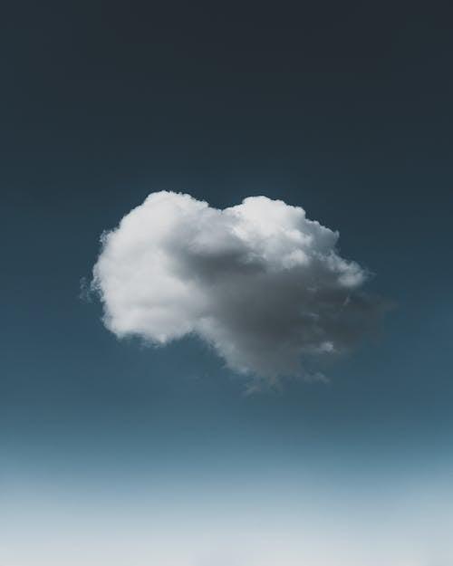 Gratis lagerfoto af atmosfære, blå himmel, blød, dunet