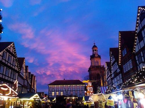 Foto profissional grátis de arquitetura, centro da cidade, céu, escuro